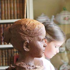 Réalisation de sculpture d'enfants en terre cuite. Prise de RDV me contacter. Possibilité d'assister aux poses des modèles à Boulogne-Billancourt