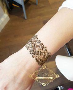 Henna cuff designs Which is your fav? Mehndi Designs For Beginners, Modern Mehndi Designs, Mehndi Designs For Girls, Mehndi Design Photos, Wedding Mehndi Designs, Mehndi Designs For Fingers, Dulhan Mehndi Designs, Beautiful Henna Designs, Henna Tattoo Designs