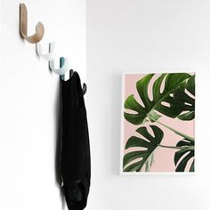 Tropical Leaves Art Printable from SummerSunHomeArt.Etsy.com    Home Decor DIY, Home Decor on a Budget, Apartment Decorating on a budget, Apartment Decorating College, Dorm Room Ideas, Dorm Room Decor, Dorm Decor, Tumblr Room Decor DIY, Boho Chic Decor, White Aesthetic, Modern Vintage, Interior Decorating, Scandinavian Interior, Nordic Interior, Home Office Ideas, Workspace, Desk Ideas, Bathroom, Kitchen, Home Organization Ideas, Small Space Living Minimalist Home