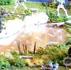 Using Plexiglas for water effects in a diorama