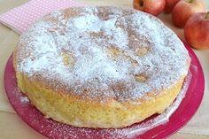 Torta di mele senza burro, scopri la ricetta: http://www.misya.info/2015/09/11/torta-di-mele-senza-burro.htm