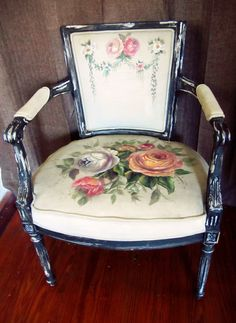 60 DIY Furniture Makeovers French Chair with Painted Upholstery and French Florals Painted Chairs, Hand Painted Furniture, Upcycled Furniture, Shabby Chic Furniture, Diy Furniture, Furniture Design, Old Chairs, Vintage Chairs, Paint Upholstery