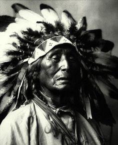 Indian faces - Lakota Sioux Cheyenne Mescalero Apache Arapaho Crow Pawnee Blackfoot #GeorgeTupak