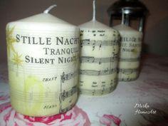 Sada troch menších sviečok s motívom nôt vianočnej piesne Tichá noc, svätá noc v nemčine a angličtine. Použité špeciálne lepidlo na sviečky, ktoré je nehorľavé a pri horení bez zápachu.  http://www.sashe.sk/HomeArt/detail/sada-sviecok-ticha-noc
