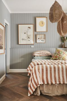Fine Idees Decoration Chambre Lambris Peints that you must know, You?re in good company if you?re looking for Idees Decoration Chambre Lambris Peints Home Bedroom, Master Bedroom, Bedroom Decor, Bedrooms, Bedroom Wall, 50s Bedroom, Bedroom Clocks, Scandi Bedroom, Ikea Bedroom