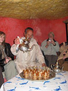 Sidi Muhammed pouring mint tea, Bhalil, Morocco