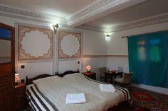 www.marrakechrougehostels.com/dar-ouassagou/ www.whenevermarrakech.com