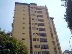 ALVARO PARIS Apartamento En Venta En Valencia - Lomas del Este Código FLEX: 14-2296 No.1