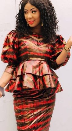 African Blouses, African Maxi Dresses, Latest African Fashion Dresses, African Dresses For Women, African Print Fashion, African Attire, African Wear, African Fashion Traditional, Barbie Fashion Royalty