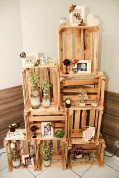 Caixote de feira / estante de caixote de feira / betrothal decor / shabby chic / garrafas shabby chic / decoração de noivado / fotos #Diy #decoreimeunoivado