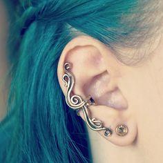 Ear cuff from Marty Magic Jewelry on Etsy; worn by kalelkitten