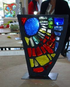 Mosaïque en dalle de verre - Maison de la Mosaïque Contemporaine Faux Stained Glass, Stained Glass Windows, Glass Lamps, Glass Art, Bear Paws, Faceted Glass, Mosaic Art, Glass Panels, Wooden Frames