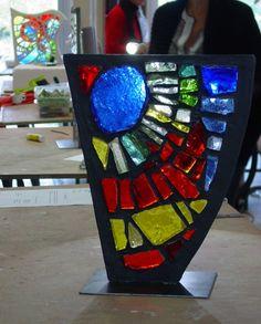 Mosaïque en dalle de verre - Maison de la Mosaïque Contemporaine Faux Stained Glass, Stained Glass Windows, Glass Lamps, Glass Art, Faceted Glass, Glass Panels, Wooden Frames, Sunrise, Stage