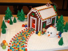 Modify for Feast of Tabernacles: LEGO GingerBread House Lego Christmas Village, Christmas Crafts, Legos, Lego Lego, Lego Batman, Lego Gingerbread House, Gingerbread Cookies, Casa Lego, Lego Winter