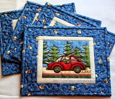 Red Needle Quilts: Some of the items for the Culture / Christmas Fair in Norway Christmas Mug Rugs, Christmas Placemats, Christmas Quilting, Christmas Scenes, Christmas Crafts, Mug Rug Patterns, Quilt Patterns, Canvas Patterns, Small Quilts