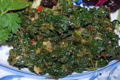Mancare de spanac cu usturoi Romanian Food, Romanian Recipes, Jamie Oliver, Seaweed Salad, Plant Based Recipes, Spinach, Food To Make, Vegetarian Recipes, Food And Drink