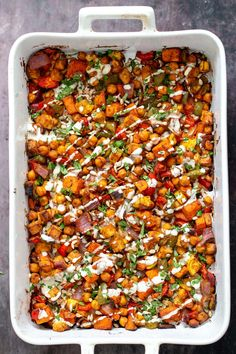 This Sheet Pan Cheeseburger Veggie Dinner served with creamy homemade garlic mayo dressing will turn into a family favorite in no time! Make lots and save some for meal prep. Delicious Vegan Recipes, Raw Food Recipes, Veggie Recipes, Vegetarian Recipes, Veggie Meals, Vegan Food, Healthy Recipes, Baked Vegetables, Veggies