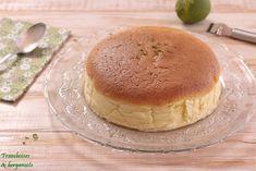Cheesecake japonais Tiramisu, Pancakes, Breakfast, Ethnic Recipes, Food, Bergamot Orange, Raspberries, Japanese Cheesecake, Meal