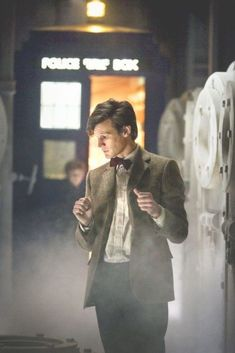 Doctor Who Eleventh Doctor Matt Smith 11th Doctor, Tardis Doctor Who, Bad Wolf Doctor Who, Doctor Who Amy Pond, Doctor Who Scarf, Doctor Who Rose, Matt Smith Doctor Who, Doctor Who Dalek, Doctor Who Funny