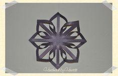 Handmade by Henriette: Finsk stjerne DIY Diy And Crafts, Christmas Crafts, Paper Crafts, Christmas Ideas, Christmas Star, Christmas Holidays, Paper Strips, Crepe Paper, Winter Theme