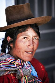 Peruvian Andean Woman (Quechua speaker) by maksid, via Flickr    Natural beauty