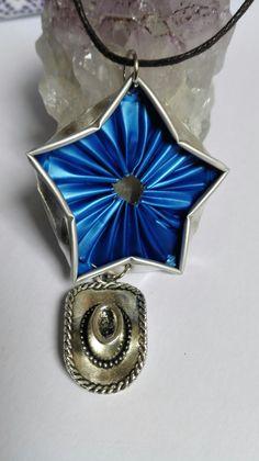 """"""" Country stars"""" collier sautoir cabochon étoile capsule de café Nespresso bleue chapeau de cow boy argenté - thème : Collier par miss-perles"""