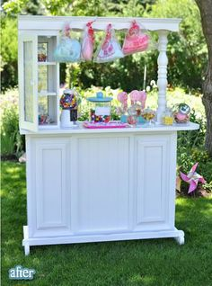This is awesome! Made out of an ugly bar. Would make a really great lemonade stand too. *For how often my sons are trying to hawk goods, this would be a great thing to build!