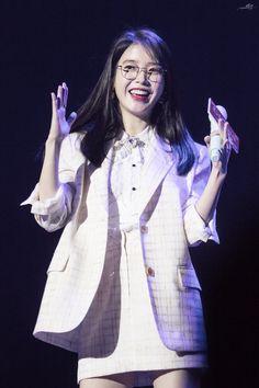 Iu Fashion, Korean Fashion, Korean Celebrities, Celebs, Korean Girl, Asian Girl, Kdrama Actors, Beautiful Girl Image, Stage Outfits