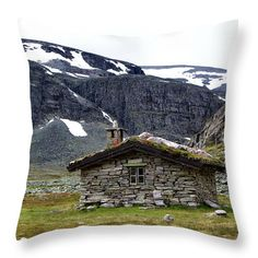 Stone hut on norwegian mountains. Stone Barns, Pin Pin, Old Stone, Pillow Sale, Travel Photographer, Basic Colors, Art Market, Color Show, Customized Gifts