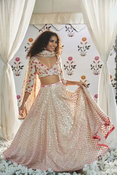 Unique floral print blouse with white lehenga for the Bridesmaid #indianwedding #bridesmaids #bridesmaiddress #lehenga #white #floral