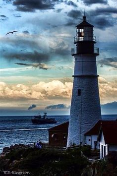 Farol - show me the way home The Light Between Oceans, Lighthouse Pictures, Lighthouse Art, Beacon Of Light, Belle Photo, Coastal, Beautiful Places, Scenery, Around The Worlds