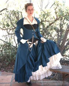 Ideas and tips for making a DIY women's steampunk costume for Halloween. Including how to DIY the dress and make the jewelry.