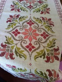 Biscornu Cross Stitch, Cross Stitch Bookmarks, Cross Stitch Borders, Cross Stitch Flowers, Counted Cross Stitch Patterns, Cross Stitch Designs, Cross Stitching, Cross Stitch Embroidery, Vintage Embroidery