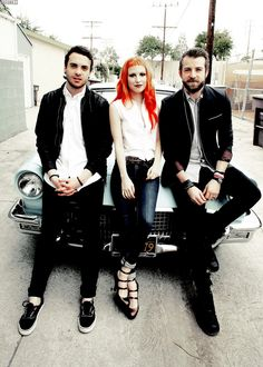 Amazing music and perhaps more amazing hair Paramore. Amazing music and perhaps more ama Hayley Paramore, Paramore Hayley Williams, Love Band, Cool Bands, Jeremy Davis, Taylor York, Pop Punk, Poses, Good Music