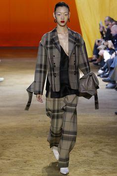 Céline Spring 2016 Ready-to-Wear Fashion Show - Sora Choi (Marilyn)