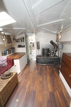 Vintage Sausalito Houseboat On Airbnb Trailors Campers Tiny Homes