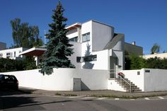 House 33 by Hans Scharoun Weissenhof Estate Stuttgart Hans Scharoun, Pierre Jeanneret, Modernism, View Image, Bauhaus, Envy, Van, Building, House