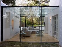 Architecture: Sensational Sliding Doors and Gorgeous Glazing