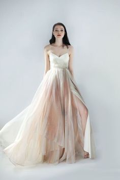 Sash & Bustle an intimate and beautiful boutique for the modern bride, located in Toronto, Ontario, Canada