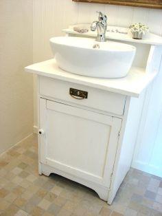 Vanity Badrumsdesign - Lilly is Love Seaside Bathroom, Hotel Bathroom Design, Bathroom Inspo, Bathroom Ideas, Tiny Bath, Wet Rooms, Beautiful Interiors, Toilet, Sink