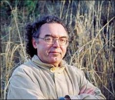 Augustin Berque, né en 1942 à Rabat, est un géographe, orientaliste, et philosophe français. Il est le fils de l'arabisant Jacques Berque (1910-1995) et de Lucie Lissac (1909-2000), artiste peintre.  Élu en 1979 directeur d'études à l'École des hautes études en sciences sociales (EHESS), il gardera ce poste jusqu'à sa retraite en 2011. Premier occidental à recevoir, en 2009, le Grand Prix de Fukuoka pour les cultures d'Asie.