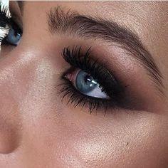 Eye Makeup Tips – How To Apply Eyeliner – Makeup Design Ideas Makeup Goals, Makeup Inspo, Makeup Inspiration, Makeup Tips, Beauty Makeup, Hair Beauty, Makeup Ideas, Makeup Salon, Kiss Makeup