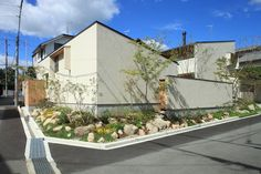 Modern Buildings, Modern Architecture, Backyard Landscaping, Facade, House Plans, Shed, Exterior, Landscape, Places