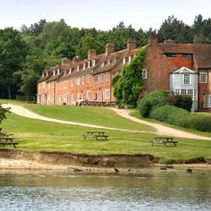 Down in the New Forest, the lawns in front of The Master Builder's are dotted with tables so you can sit out (on summer weekends they put barbecues on) and enjoy the lovely views out across the Beaulieu River.