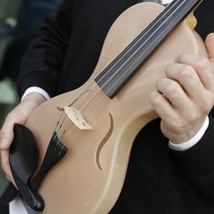 New prototype violin made with spiders' silk - The Strad