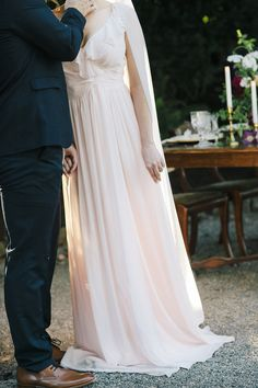 Blush Veil #pinkwedding #blushwedding #blushveil #customveil #cathedralveil #englishnet #bespokebridal #bespokeveil #bridalveil #Annieekstrombridal #veil www.annieekstrombridal.com