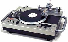 A Vestax VRX  - www.remix-numerisation.fr - Rendez vos souvenirs durables ! - Sauvegarde - Transfert - Copie - Digitalisation - Restauration de bande magnétique Audio et disques 33 tours - MiniDisc - Cassette Audio et Cassette VHS - VHSC - SVHSC - Video8 - Hi8 - Digital8 - MiniDv - Laserdisc - Bobine fil d'acier - Micro-cassette - Digitalisation audio - Elcaset