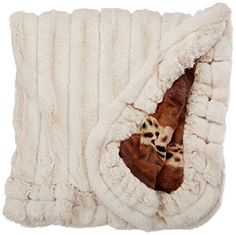 BESSIE AND BARNIE Pet Blanket Small Wild KingdomNatural Beauty with Ruffle ** Learn more by visiting the image link.