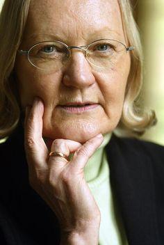 Generalbundesanwältin a.D. Monika Harms, Tochter des Marineoberstabsrichters Adolf Harms, der zusammen mit Filbinger das Todesurteil gegen Walter Gröger verhängt hat (Bild: https://idw-online.de/de/image60938). http://www.zeit.de/online/2007/16/filbinger-historie/protokoll-verstrickung-filbinger/seite-3 . EKEL.