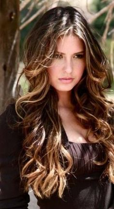 I would love to get my hair to this length... must not chop, must not chop...